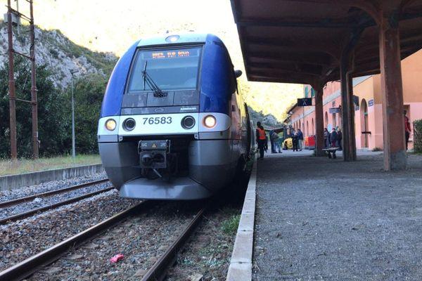 Le 8 octobre, un premier train voyageurs relie Fontan/Saorge à Breil-sur-Roya