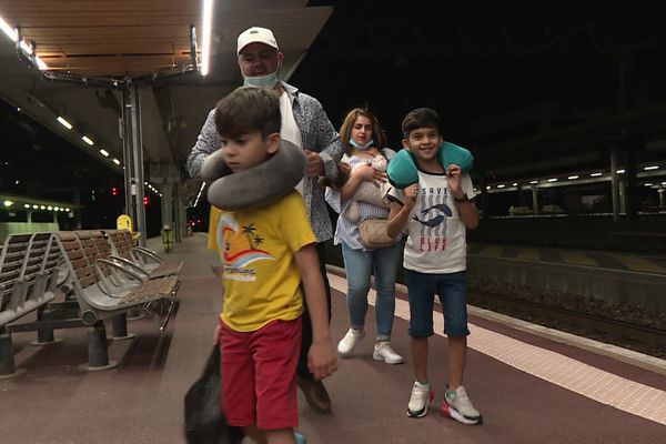 La famille de Shapour, bloquée à Kaboul, est enfin de retour à Lyon