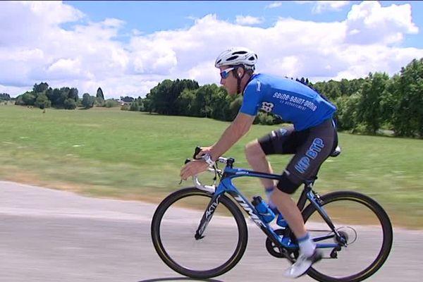 A 26 ans, le coureur de la formation HP BTP-Auber 93 participe pour la 4ème fois au Tour du Limousin. A quelques jours de la course, il part en reconnaissance de l'une des 4 étapes.