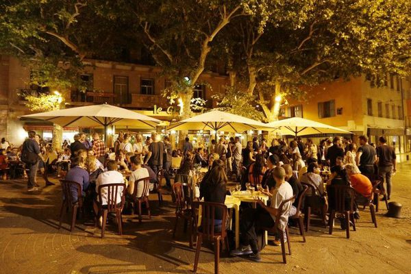 Le café de la Poste à Perpignan le 29 août 2016 pendant Visa pour l'image