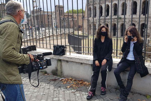 En tournage à Rome avec les deux pianistes basco-italiennes
