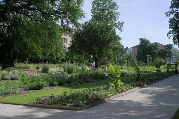 Le jardin Dominique-Alexandre Godron à Nancy en juin 2021 après sa rénovation.