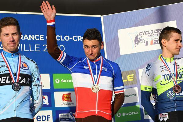Clément Venturini (AG2R La Mondiale) a décroché son troisième titre de champion de France élites, ce dimanche, à Flamanville devant Joshua Dubau (2e)et Fabien Doubey (3e)