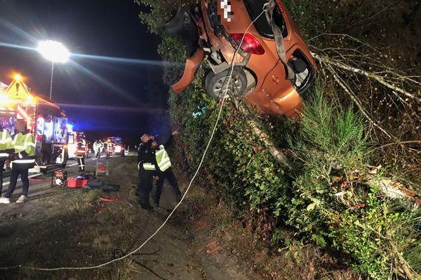 Les pompiers sont intervenus au Theil-de-Bretagne à la suite d'un accident. Un jeune homme a perdu le contrôle de son véhicule.