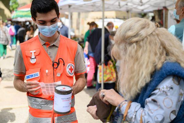 Ce samedi, les bénévoles de la Croix-Rouge sont allés à la rencontre des Montpelliérains pour la quête annuelle - 22 mai 2021