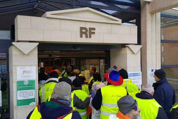 Une vingtaine de manifestants ont envahi la préfecture de Haute-Marne