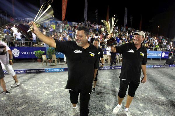 Vainqueurs de l'édition 2014 de l'Europétanque, Quintais, Suchaud et Lucien ont gardé leur titre hier soir, au terme d'une finale passionnante face à Lacroix, Rocher et Rocher. A revoir ce mardi à 22h50 sur www.france3cotedazur.fr