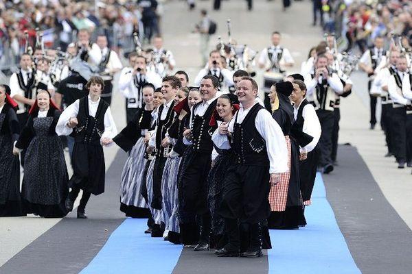 Le défilé de la grande parade du festival Interceltique de Lorient, en août 2014