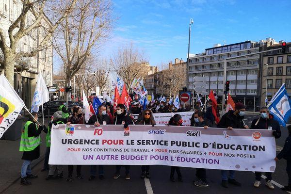 Une manifestation des personnels de l'Education Nationale était organisée ce mardi 26 janvier, à Clermont-Ferrand.