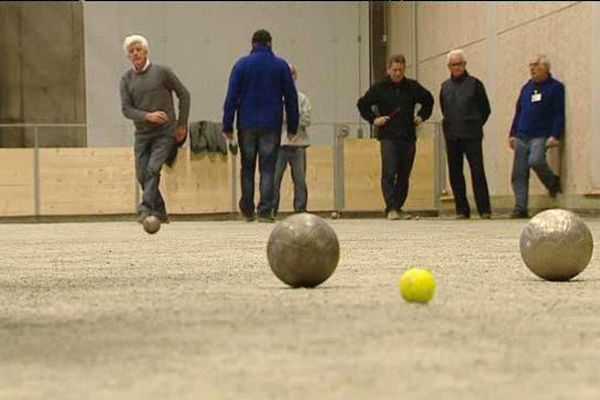 Joueurs au comité des boules lyonnaises à Tours
