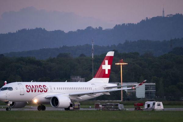 Une vingtaine d'Airbus A220 de la compagnie Swiss Air ont été immobilisés après un problème technique.
