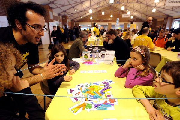 Il y a dix ans, le festival ne comptait qu'une poignée de bénévoles. Ils sont aujourd'hui plusieurs centaines.