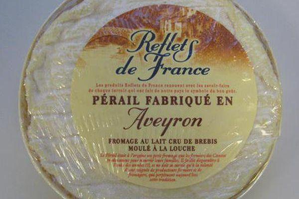 Le groupe Carrefour a rappelé un lot de fromage au lait cru de brebis Perail, commercialisé sous la marque Reflets de France, en raison de la présence de la bactérie listeria.
