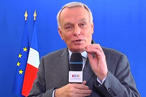Jean-Marc Ayrault s'est défendu d'être en visite de soutien au candidat PS, Frédéric Béatse à la mairie d'Angers