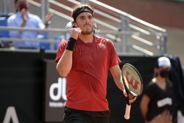 Le Grec Stefanos Tsitsipas, 5e joueur mondial s'est facilement imposé (6-3, 6-3) dimanche en finale du tournoi de tennis ATP de Lyon