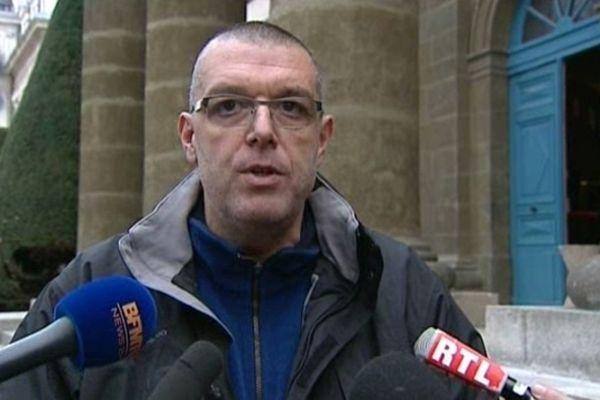 Dès jeudi, Michel LAURAN, le père de Camille, nous a annoncé qu'il portait plainte pour coups et blessures avec armes.