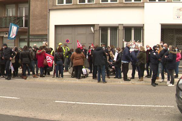 Carcassonne - manifestation devant l'Inspection académique de l'Aude contre la fermeture de 23 classes - 2 mars 2021.