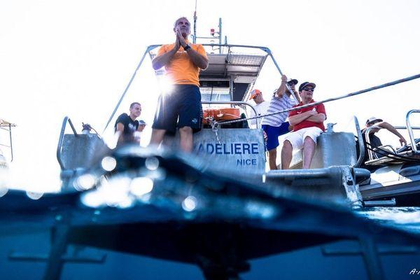 Ce mercredi, les hommes plongent en immersion libre en baie de Villefranche-sur-Mer.