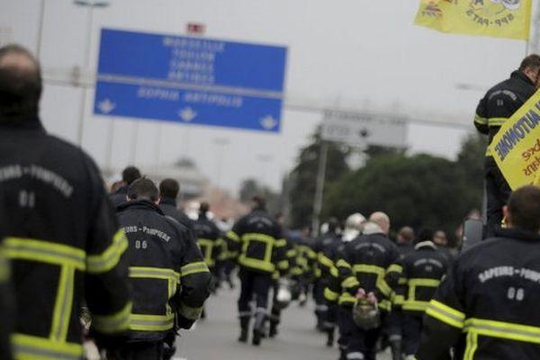 La Fédération autonome des pompiers des Alpes-Maritimes est engagée dans un conflit à propos de l'organisation du temps de travail avec le préfet.