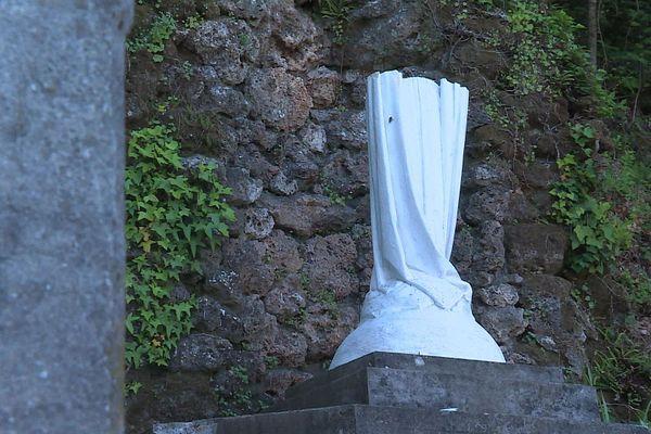 La Vierge de Sumène, à Pont d'Hérault, a été la première à être massacrée, en juillet dernier.