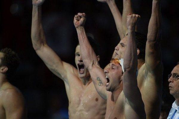 Fabien Gilot exulte après sa victoire au relais 4x100m. Les Français deviennent champions du monde.