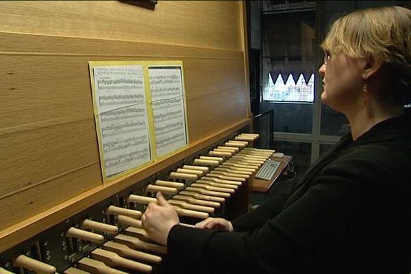 Mathilde Bagibard était la carillonneuse invitée pour le premier concert des Mercredi au carillon.