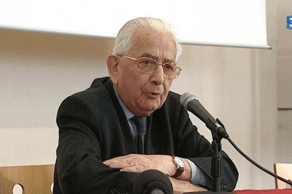 Claude Bloch, lors d'une rencontre avec des scolaires en janvier 2014