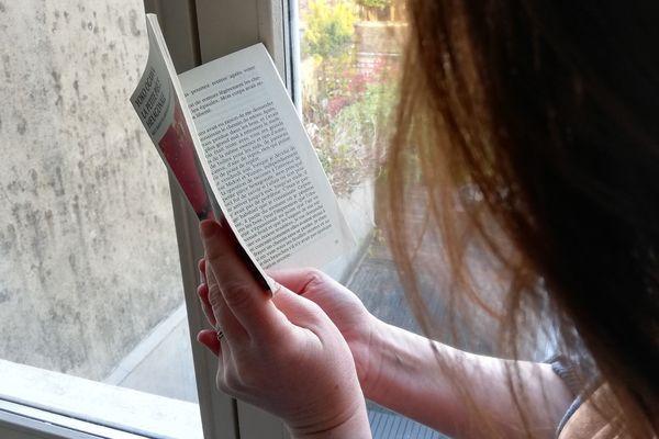En période de confinement, la lecture prend des formes diverses chez nos libraires.