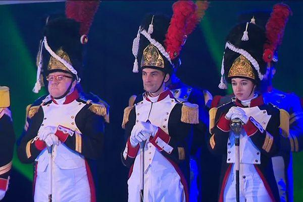 Dans une salle pleine à craquer, les carnavaleux et les tambour-majors de tout le Dunkerquois ont rendu hommage à Cô-Pinard.