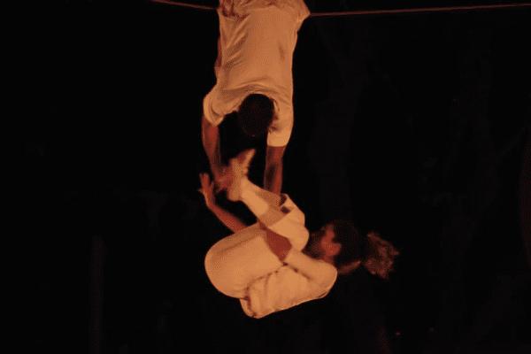 La 27ème édition du festival débute ce mercredi 22 juin ; elle se terminera samedi soir. Au programme : acrobaties, théâtre, musique, dans une ambiance toujours aérienne.
