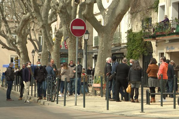 À Lunel dans l'Hérault, le taux d'incidence atteint presque 400 cas positifs pour 100 000 habitants sur une semaine.