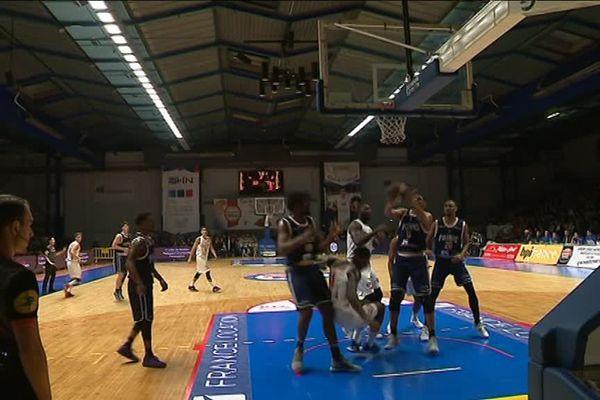 Match très serré ce mardi soir entre Poitiers et le CBC au Palais des sports de Caen