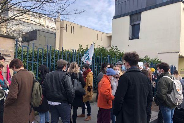 Des étudiants rassemblés devant l'université de Lorraine ce mercredi 20 janvier