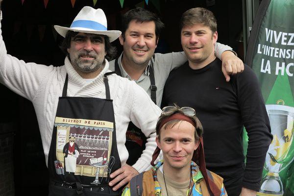L'équipe à chapeaux d'un bar caennais