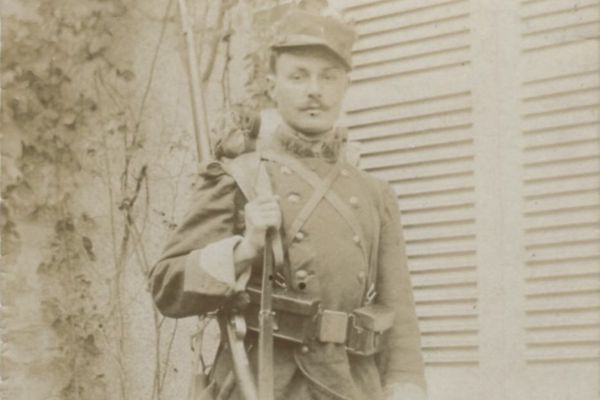 Maurice Genevoix lors de son service militaire.