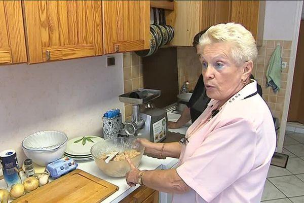 Claudie aime faire partager son savoir culinaire
