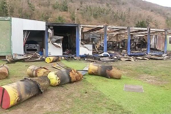 Le local du SPN Vernon a été incendié dans la nuit de jeudi à vendredi.