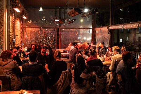 Le taux d'incidence est en nette augmentation chez les 20-29 ans, bars et restaurants pourraient de nouveau fermer à Strasbourg.