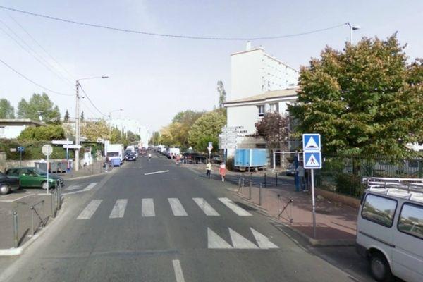 Montpellier - Rue Rimbaud dans le quartier du petit-Bard - archives
