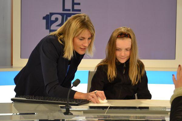 Aude Sillans dévoile les secrets du JT aux petits comme aux grands !
