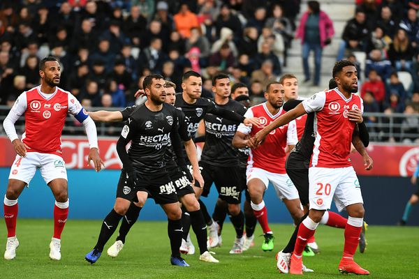 Le Nîmes Olympiques face au stade de Reims ce samedi 5 mai au stade Auguste Delaune