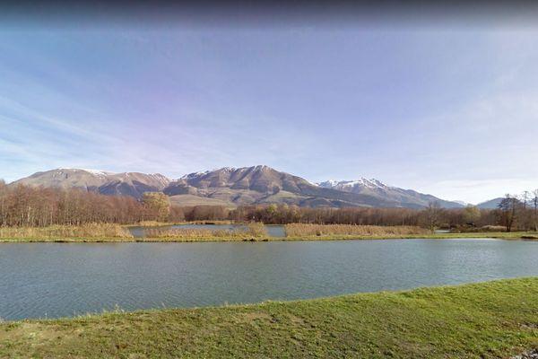 L'étang du Crey, à Susville, en Isère.