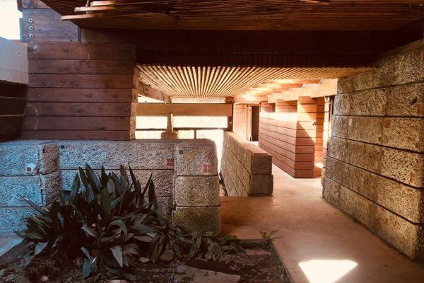 A l'intérieur de la maison de l'architecte Edmond Lay, à Barbazan-Debat (Hautes-Pyrénées)