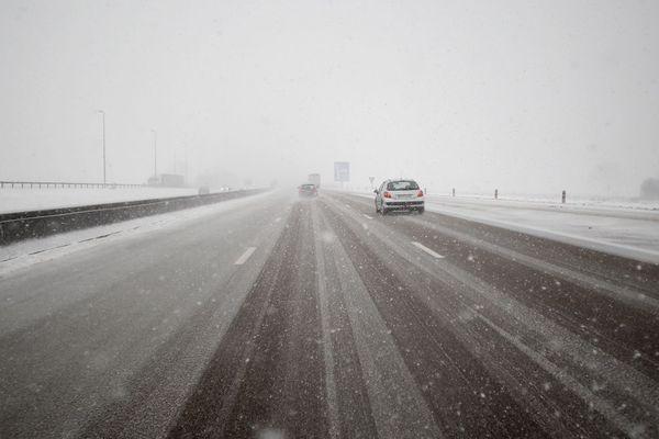 L'A13 sous la neige en 2013