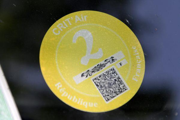 La vignette Crit'air 2 concerne l'ensemble des véhicules diesel et essence d'avant 2011.