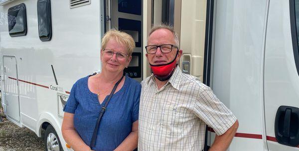 Un couple de retraités adeptes du camping-car
