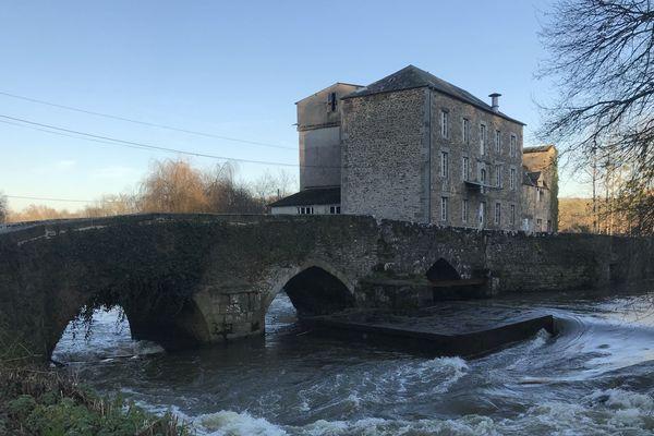 Pour rénover le Pont de Val-Couesnon, 250 000 euros sont nécessaires