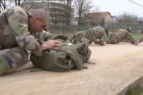 Les soldats du 19ème Régiment du Génie de Besançon en plein entraînement.