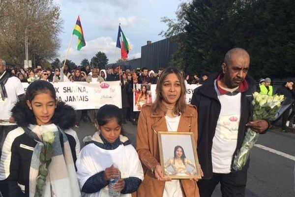 Environ 500 personnes se sont rassemblées à Creil  ce dimanche 17 novembre pour rendre hommage à l'adolescente.
