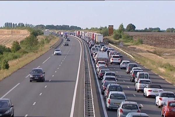 Fortes perturbations sur l'autoroute A71. En cause, un poids lourd qui s'est couché sur les voies dans le secteur de Quincy (18)
